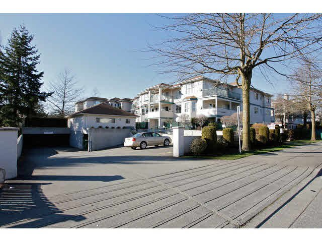 """Photo 20: Photos: 311 5955 177B Street in Surrey: Cloverdale BC Condo for sale in """"WINDSOR PLACE"""" (Cloverdale)  : MLS®# F1433073"""