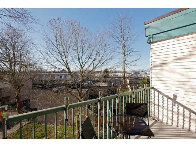 """Photo 19: Photos: 311 5955 177B Street in Surrey: Cloverdale BC Condo for sale in """"WINDSOR PLACE"""" (Cloverdale)  : MLS®# F1433073"""