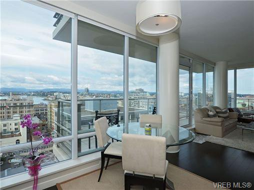 Main Photo: 1405 707 Courtney Street in VICTORIA: Vi Downtown Condo Apartment for sale (Victoria)  : MLS®# 359133