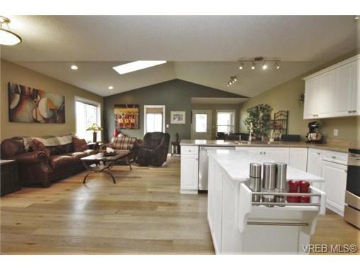 Photo 6: Photos: 201 6718 W Grant Rd in SOOKE: Sk Sooke Vill Core Half Duplex for sale (Sooke)  : MLS®# 724816