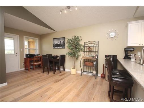 Photo 11: Photos: 201 6718 W Grant Rd in SOOKE: Sk Sooke Vill Core Half Duplex for sale (Sooke)  : MLS®# 724816