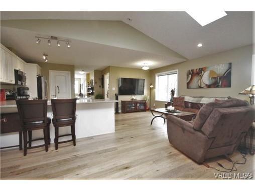 Photo 10: Photos: 201 6718 W Grant Rd in SOOKE: Sk Sooke Vill Core Half Duplex for sale (Sooke)  : MLS®# 724816