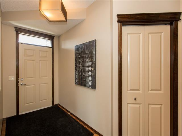 Photo 12: Photos:  in Calgary: House for sale : MLS®# C4064824