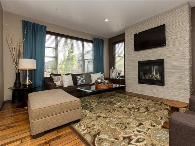 Photo 9: Photos:  in Calgary: House for sale : MLS®# C4064824