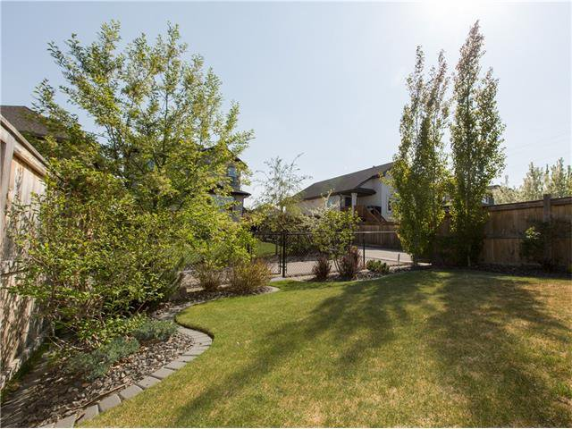 Photo 32: Photos:  in Calgary: House for sale : MLS®# C4064824