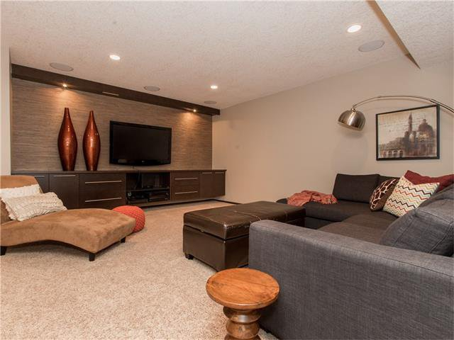 Photo 25: Photos:  in Calgary: House for sale : MLS®# C4064824
