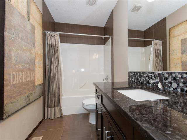 Photo 19: Photos:  in Calgary: House for sale : MLS®# C4064824