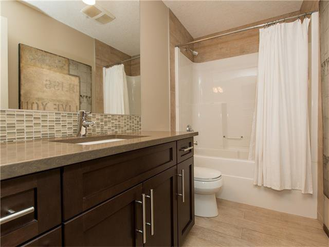 Photo 30: Photos:  in Calgary: House for sale : MLS®# C4064824