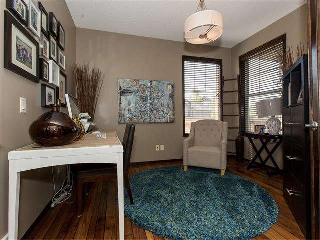 Photo 3: Photos:  in Calgary: House for sale : MLS®# C4064824
