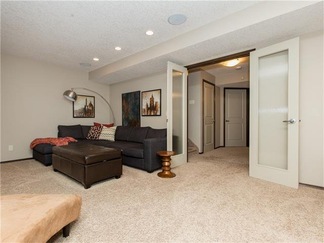 Photo 26: Photos:  in Calgary: House for sale : MLS®# C4064824