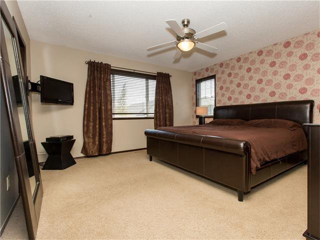Photo 14: Photos:  in Calgary: House for sale : MLS®# C4064824