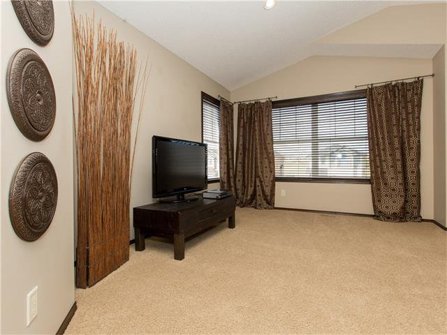 Photo 24: Photos:  in Calgary: House for sale : MLS®# C4064824