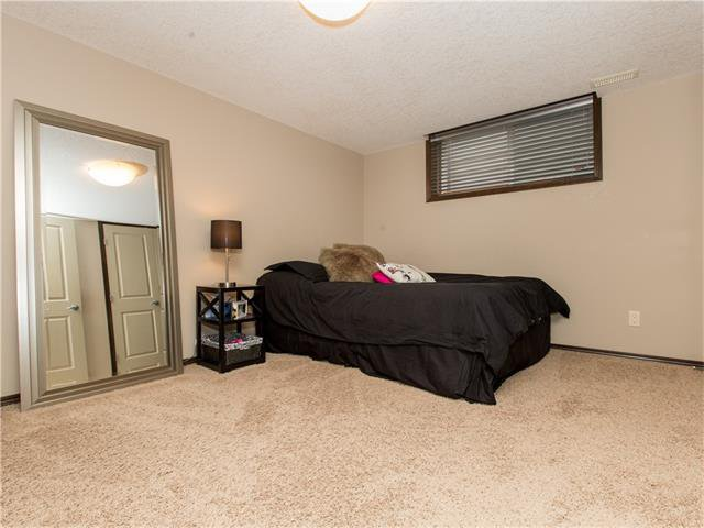 Photo 31: Photos:  in Calgary: House for sale : MLS®# C4064824