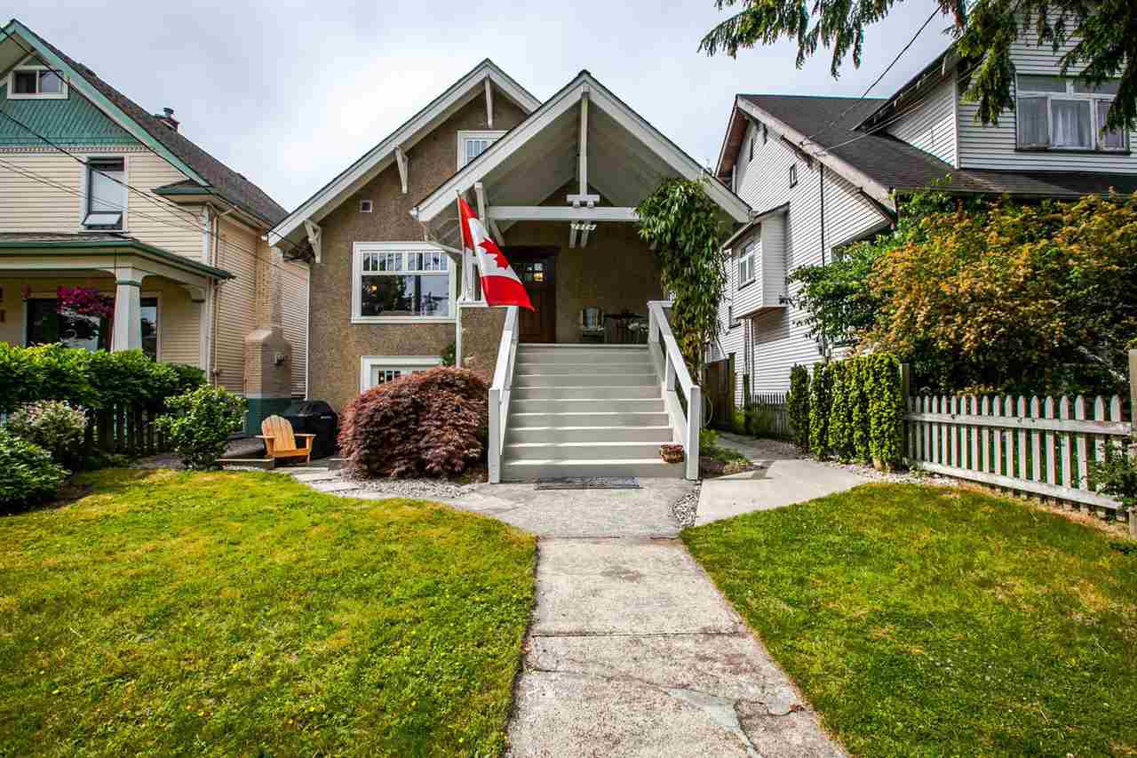 Main Photo: 1019 HAMILTON Street in New Westminster: Moody Park House for sale : MLS®# R2072177