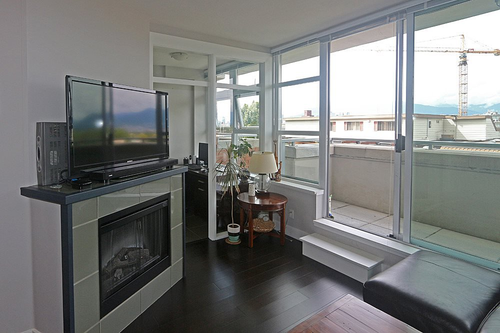 "Photo 7: Photos: 306 298 E 11TH Avenue in Vancouver: Mount Pleasant VE Condo for sale in ""SOPHIA"" (Vancouver East)  : MLS®# R2090826"