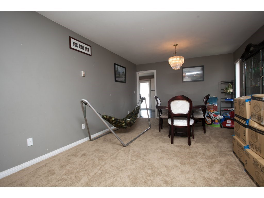 Photo 5: Photos: 3252 SPARROW Drive in Abbotsford: Abbotsford West House for sale : MLS®# R2106538