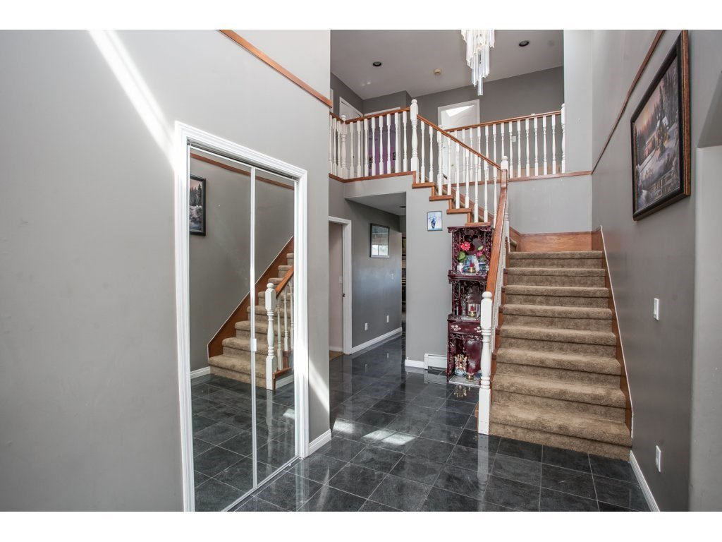 Photo 3: Photos: 3252 SPARROW Drive in Abbotsford: Abbotsford West House for sale : MLS®# R2106538