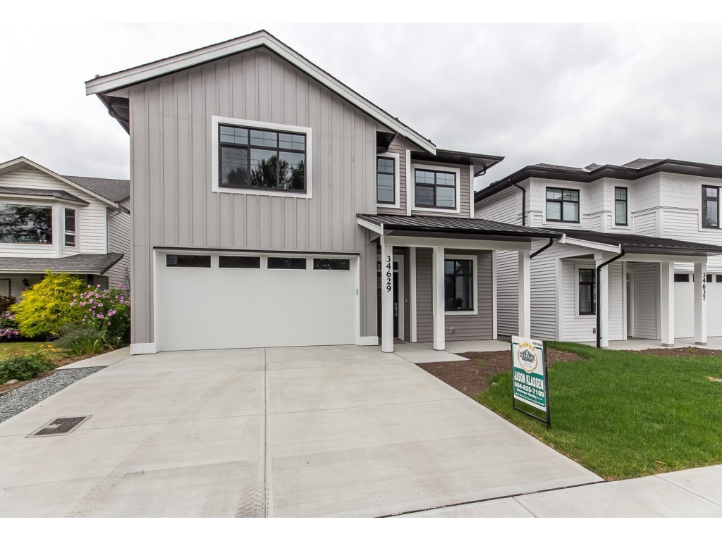 Main Photo: 34629 3RD Avenue in Abbotsford: Poplar House for sale : MLS®# R2107602