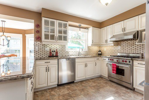 Photo 19: Photos: 26 Balsdon Crest in Whitby: Lynde Creek House (2-Storey) for sale : MLS®# E3629049