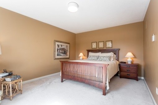 Photo 3: Photos: 26 Balsdon Crest in Whitby: Lynde Creek House (2-Storey) for sale : MLS®# E3629049