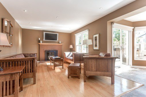 Photo 2: Photos: 26 Balsdon Crest in Whitby: Lynde Creek House (2-Storey) for sale : MLS®# E3629049