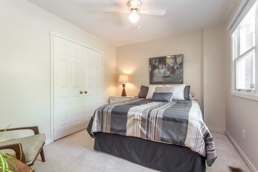 Photo 4: Photos: 26 Balsdon Crest in Whitby: Lynde Creek House (2-Storey) for sale : MLS®# E3629049