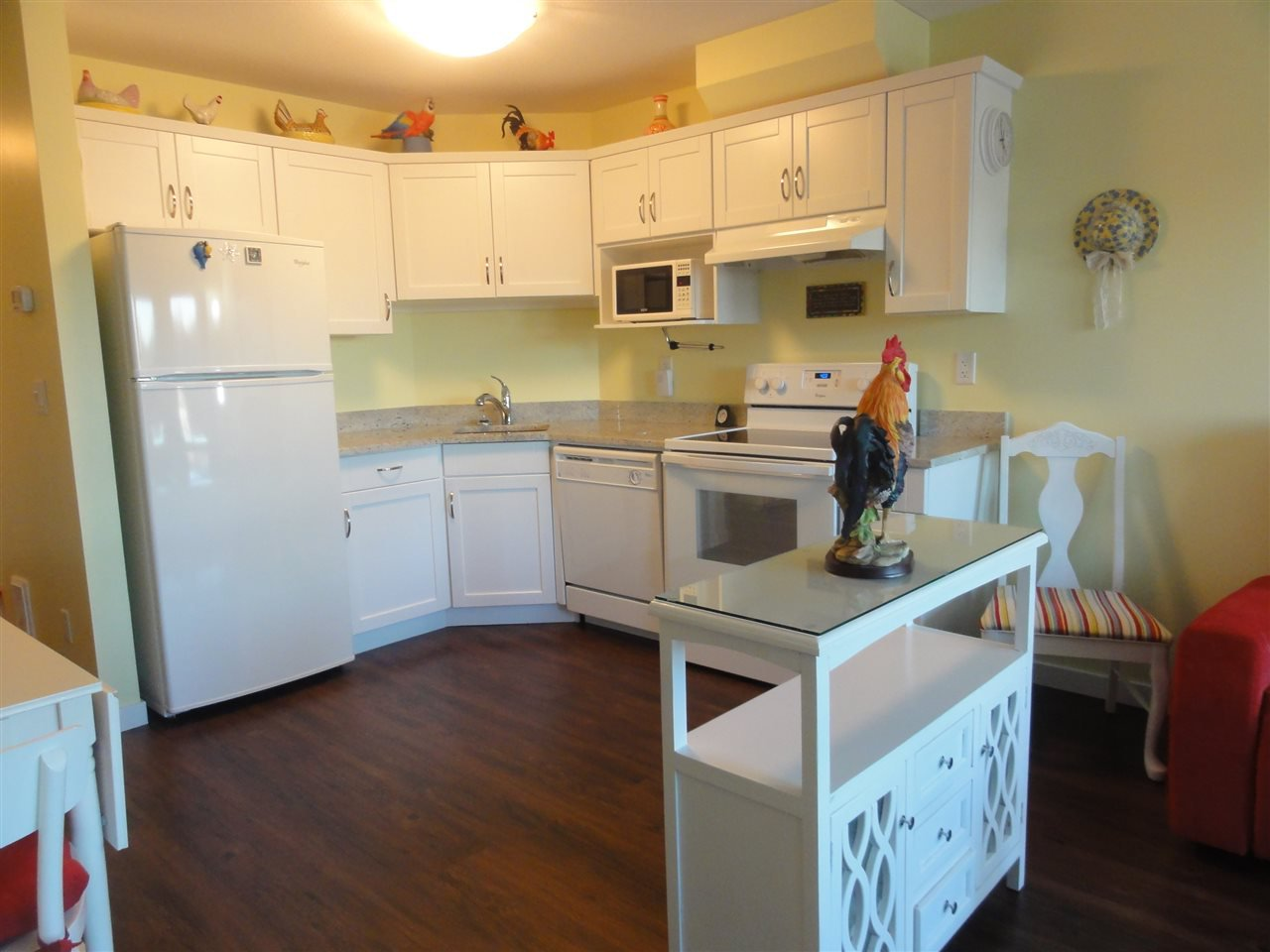 "Photo 2: Photos: 431 22323 48 Avenue in Langley: Murrayville Condo for sale in ""AVALON GARDENS"" : MLS®# R2134591"
