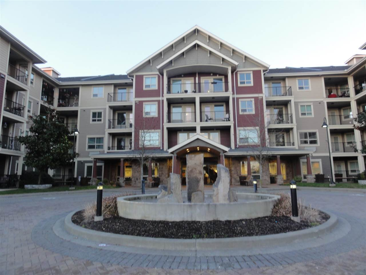 "Main Photo: 431 22323 48 Avenue in Langley: Murrayville Condo for sale in ""AVALON GARDENS"" : MLS®# R2134591"