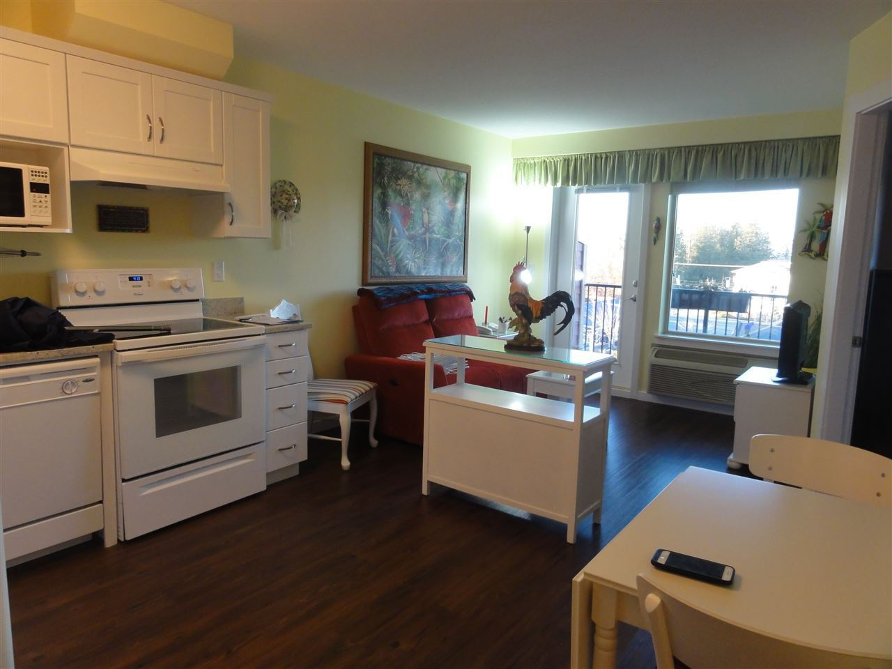 "Photo 8: Photos: 431 22323 48 Avenue in Langley: Murrayville Condo for sale in ""AVALON GARDENS"" : MLS®# R2134591"