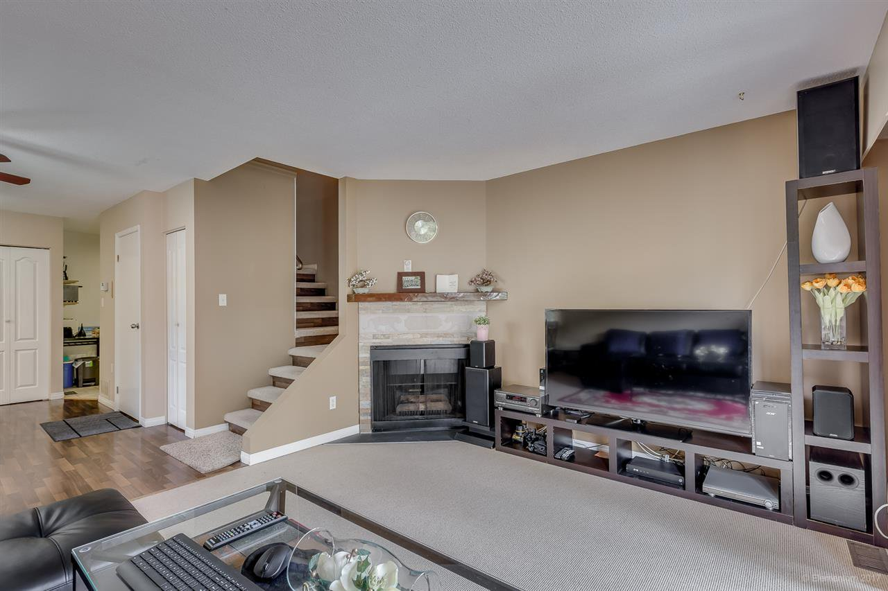 Main Photo: 7435 13TH Avenue in Burnaby: Edmonds BE Townhouse for sale (Burnaby East)  : MLS®# R2172210
