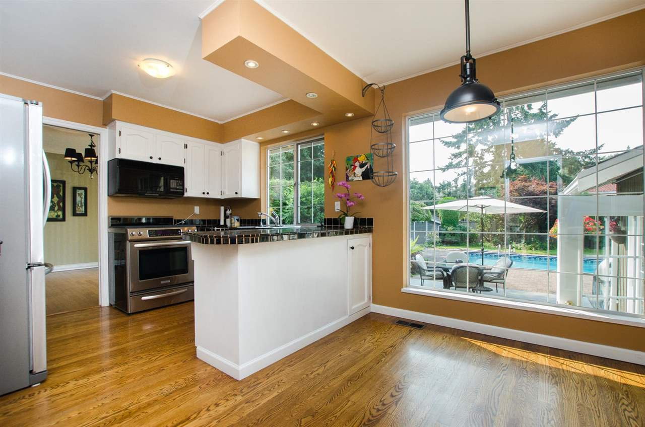 """Photo 5: Photos: 5334 2ND Avenue in Delta: Pebble Hill House for sale in """"PEBBLE HILL"""" (Tsawwassen)  : MLS®# R2196817"""