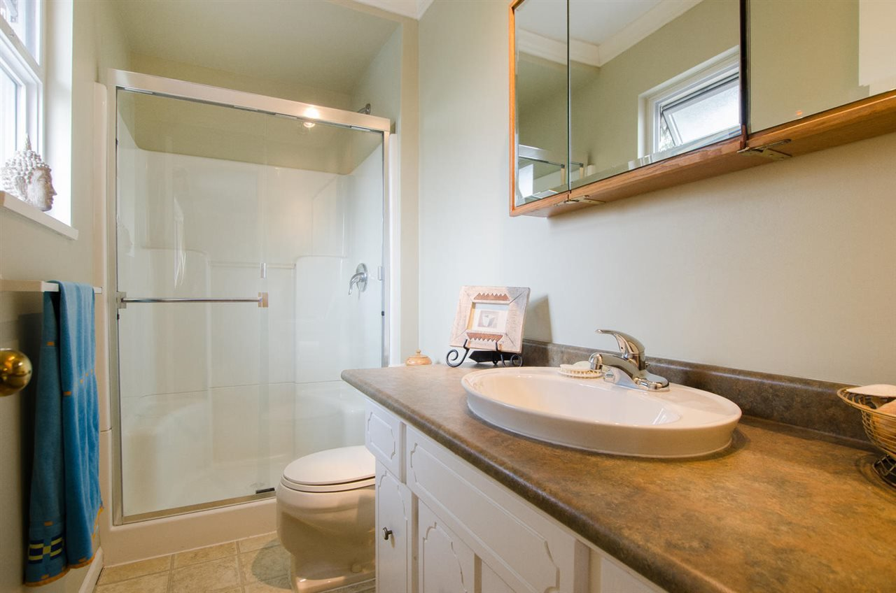 """Photo 16: Photos: 5334 2ND Avenue in Delta: Pebble Hill House for sale in """"PEBBLE HILL"""" (Tsawwassen)  : MLS®# R2196817"""