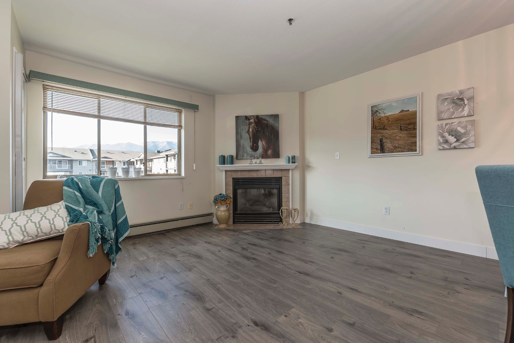 Photo 5: Photos: 305 9186 Edward Street in Chilliwack: Condo for sale : MLS®# R2218862
