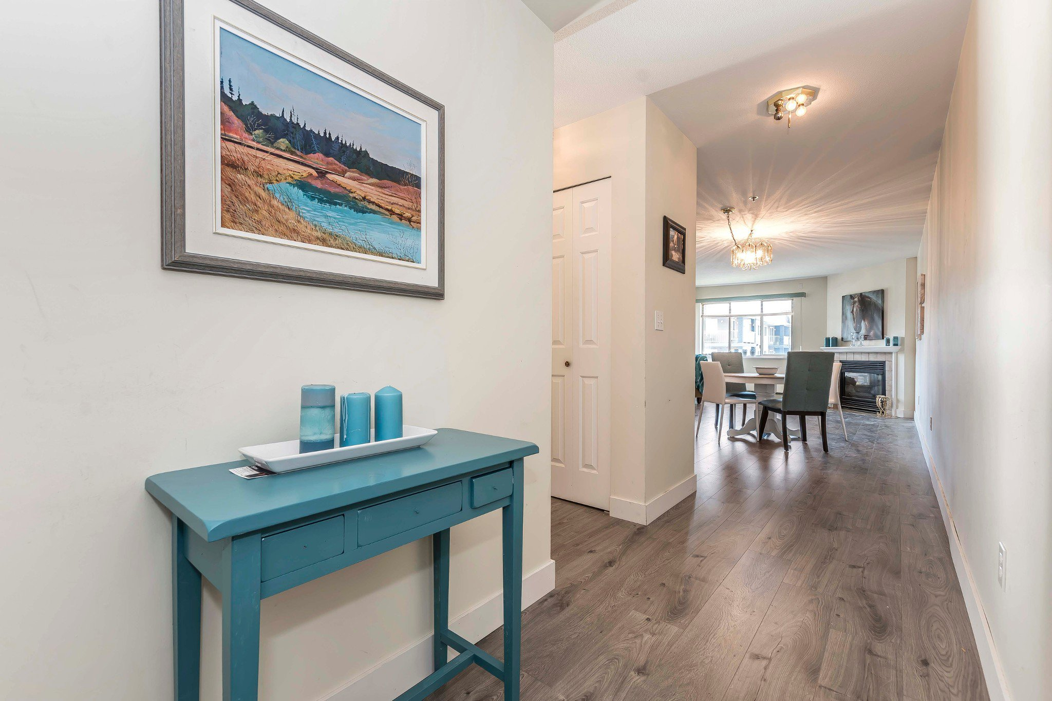 Photo 3: Photos: 305 9186 Edward Street in Chilliwack: Condo for sale : MLS®# R2218862