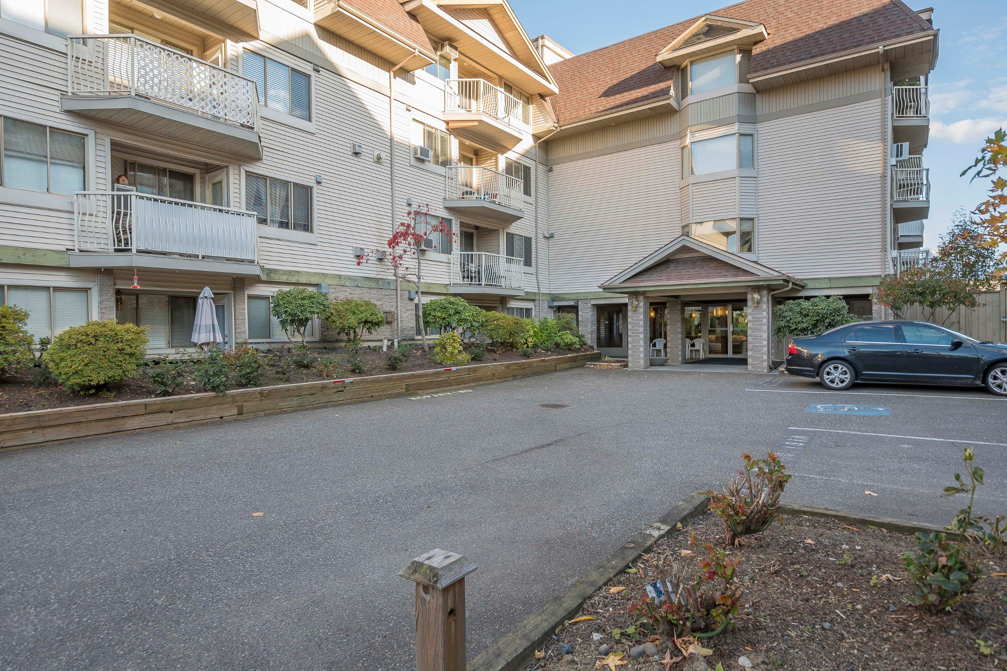Photo 12: Photos: 305 9186 Edward Street in Chilliwack: Condo for sale : MLS®# R2218862