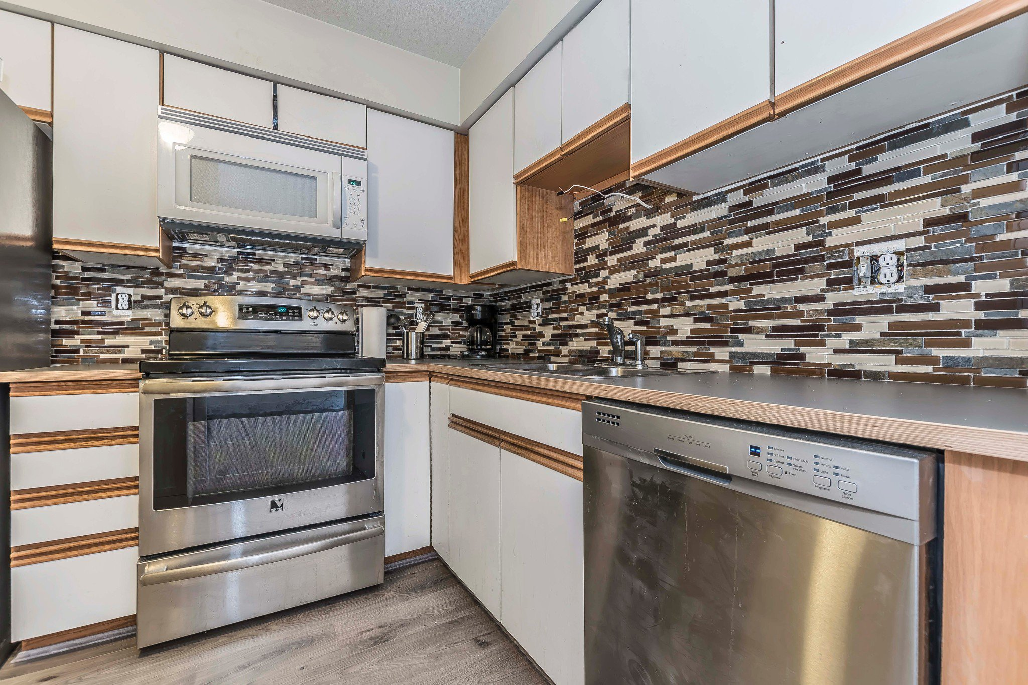 Photo 7: Photos: 305 9186 Edward Street in Chilliwack: Condo for sale : MLS®# R2218862