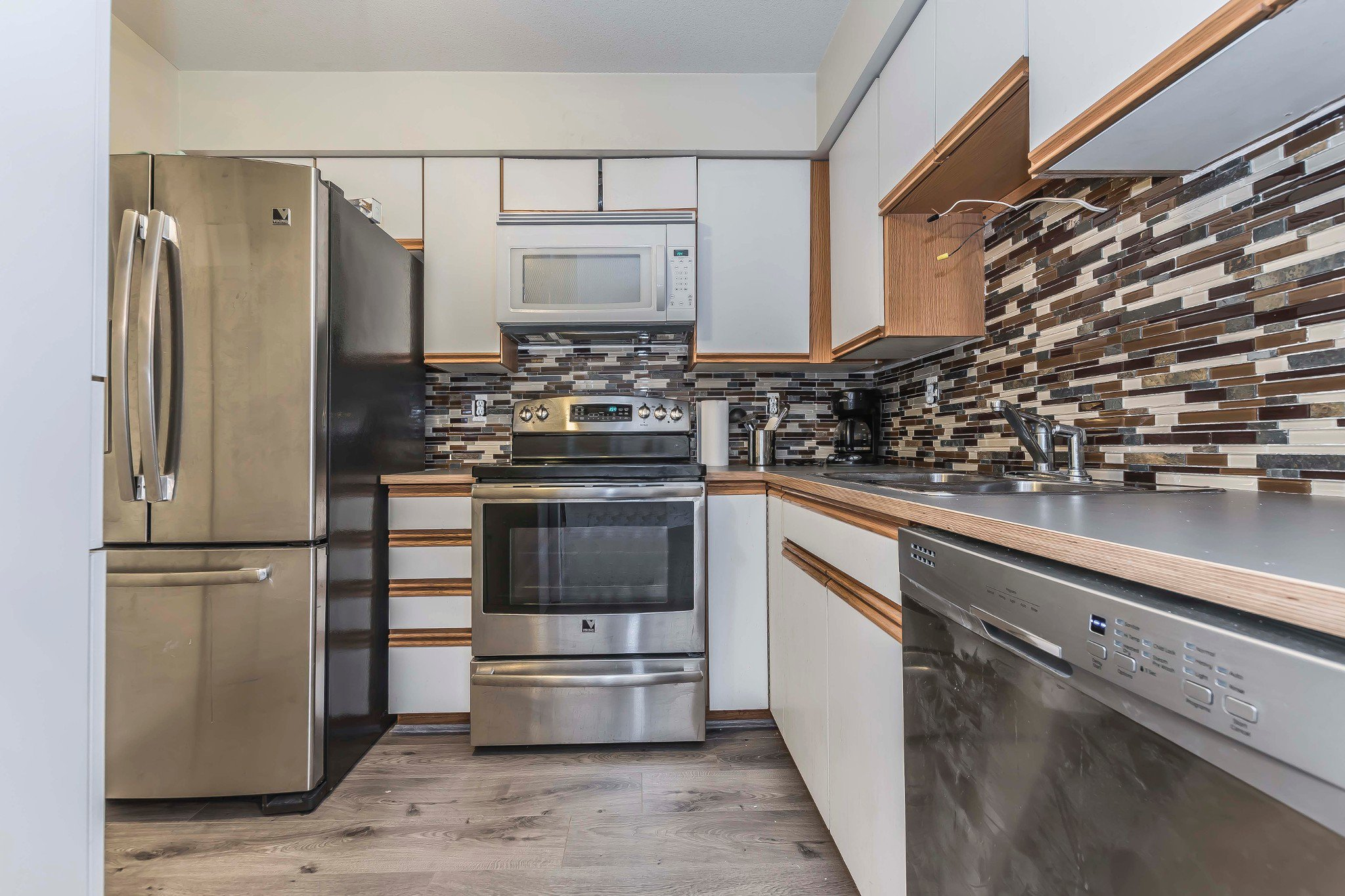 Photo 8: Photos: 305 9186 Edward Street in Chilliwack: Condo for sale : MLS®# R2218862