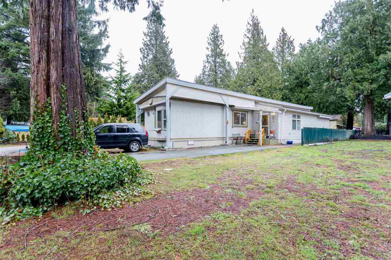 """Main Photo: 228 1830 MAMQUAM Road in Squamish: Northyards Manufactured Home for sale in """"TIMBERTOWN"""" : MLS®# R2236311"""