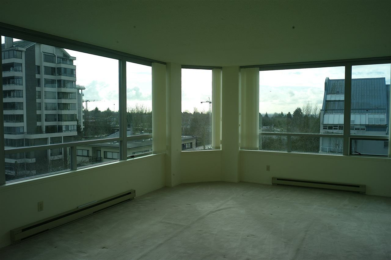 "Photo 3: Photos: 5 5885 YEW Street in Vancouver: Kerrisdale Condo for sale in ""Kerrisdale"" (Vancouver West)  : MLS®# R2243002"