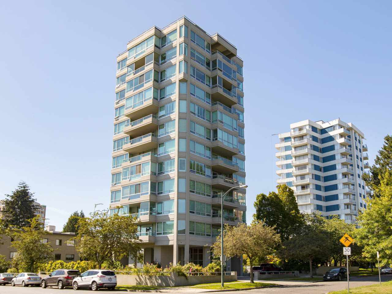 "Photo 1: Photos: 5 5885 YEW Street in Vancouver: Kerrisdale Condo for sale in ""Kerrisdale"" (Vancouver West)  : MLS®# R2243002"