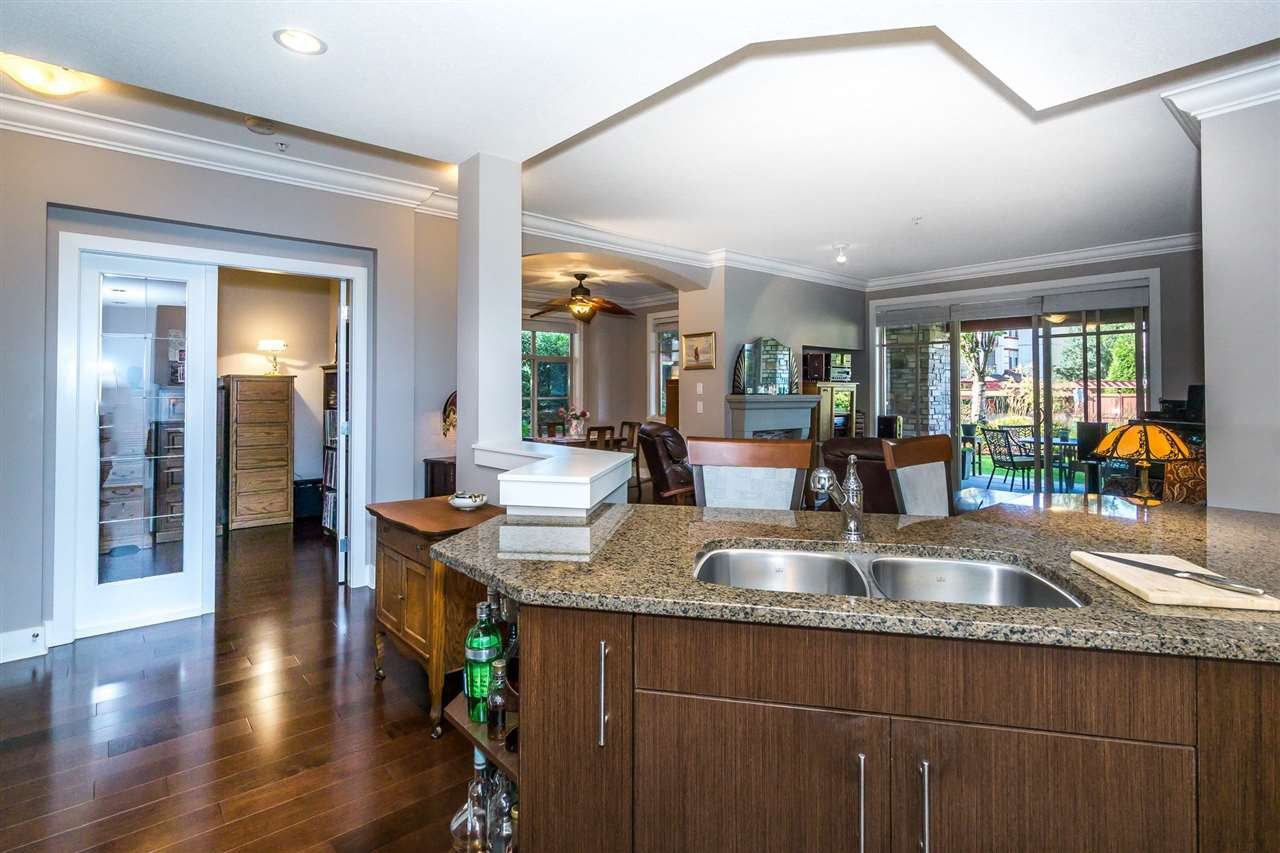 "Photo 6: Photos: 107 16447 64 Avenue in Surrey: Cloverdale BC Condo for sale in ""St. Andrews"" (Cloverdale)  : MLS®# R2302117"