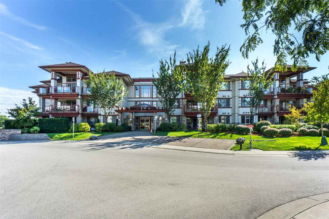 "Photo 1: Photos: 107 16447 64 Avenue in Surrey: Cloverdale BC Condo for sale in ""St. Andrews"" (Cloverdale)  : MLS®# R2302117"
