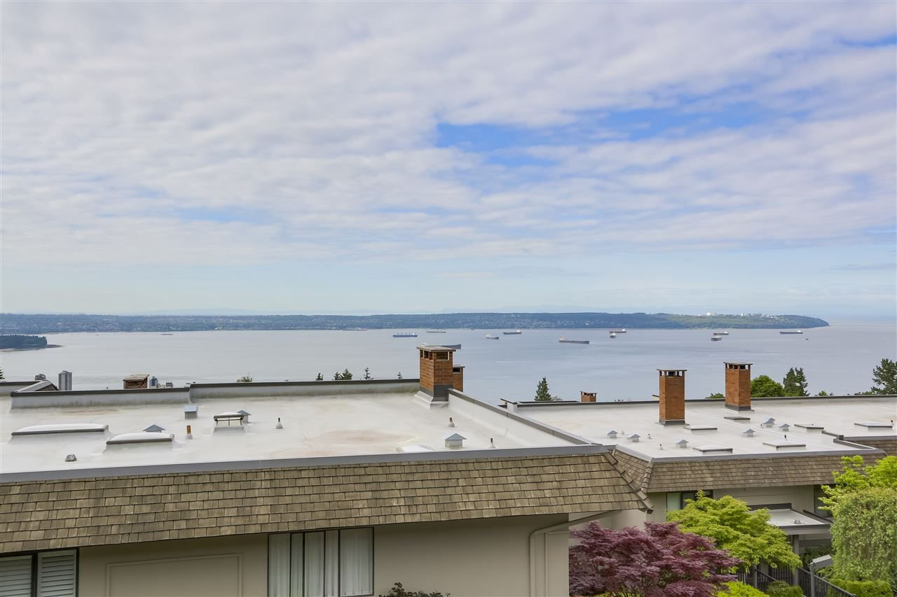 Main Photo: 37 2216 FOLKESTONE Way in West Vancouver: Panorama Village Condo for sale : MLS®# R2310514