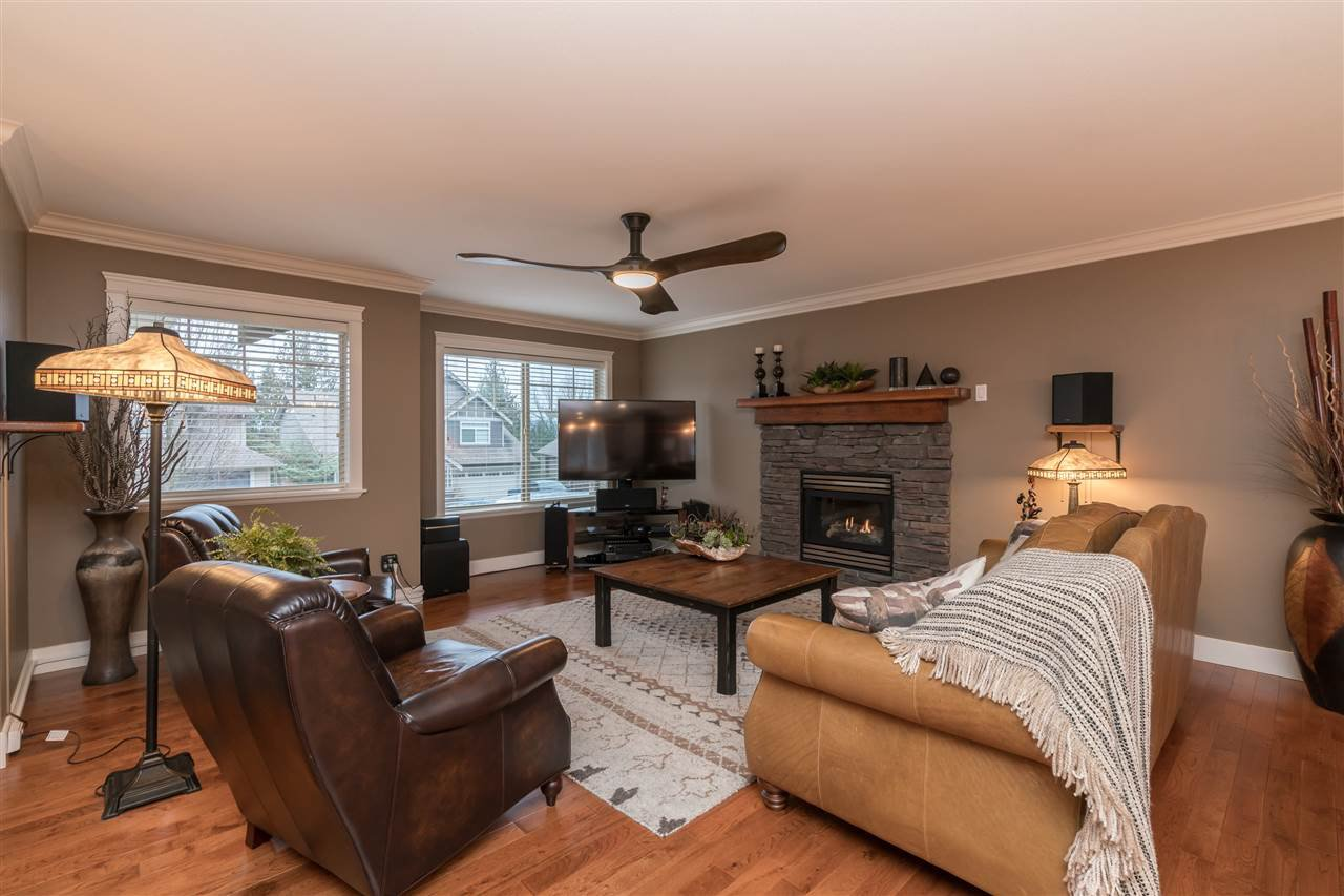 Photo 3: Photos: 6082 REXFORD Drive in Sardis: Promontory House for sale : MLS®# R2329418