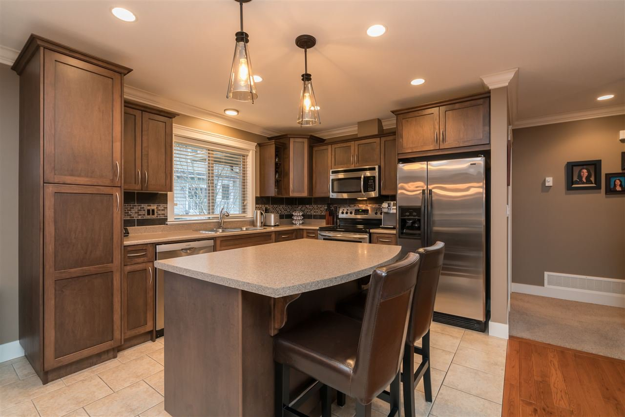 Photo 7: Photos: 6082 REXFORD Drive in Sardis: Promontory House for sale : MLS®# R2329418