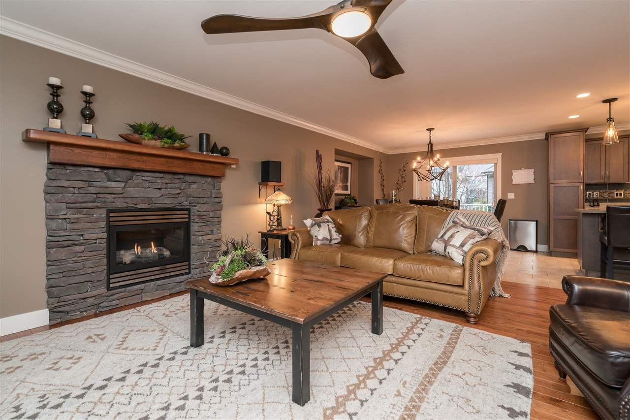 Photo 4: Photos: 6082 REXFORD Drive in Sardis: Promontory House for sale : MLS®# R2329418