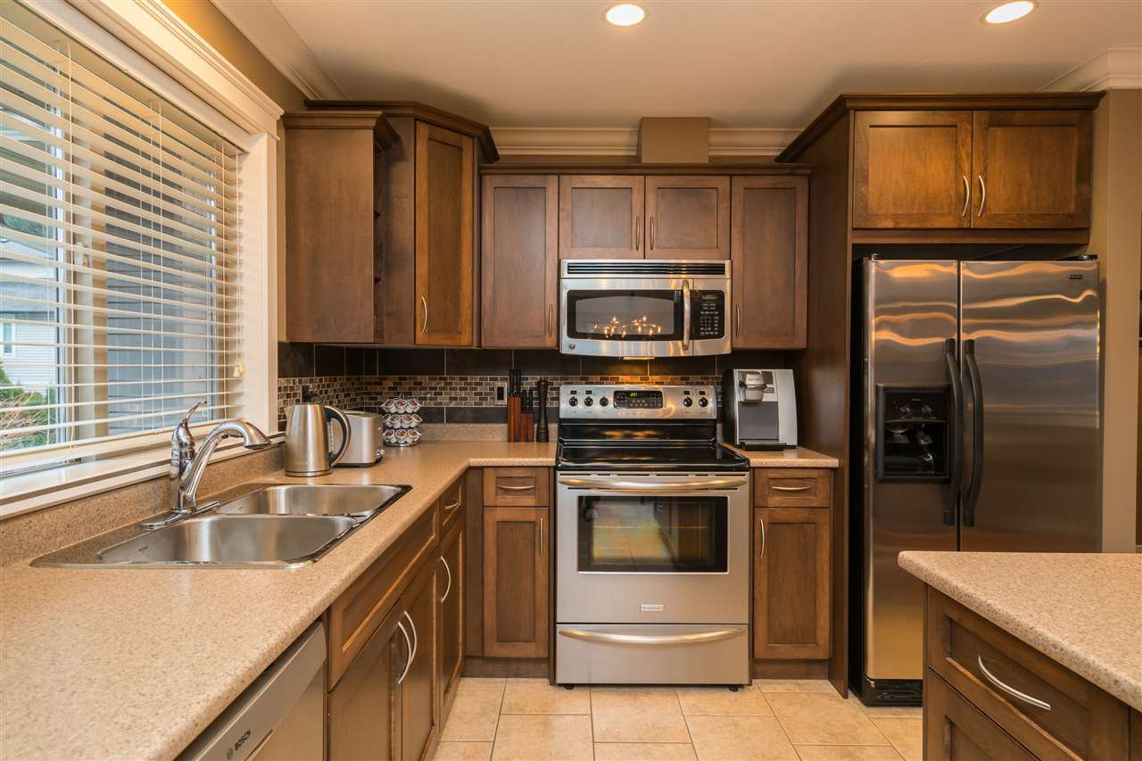 Photo 8: Photos: 6082 REXFORD Drive in Sardis: Promontory House for sale : MLS®# R2329418