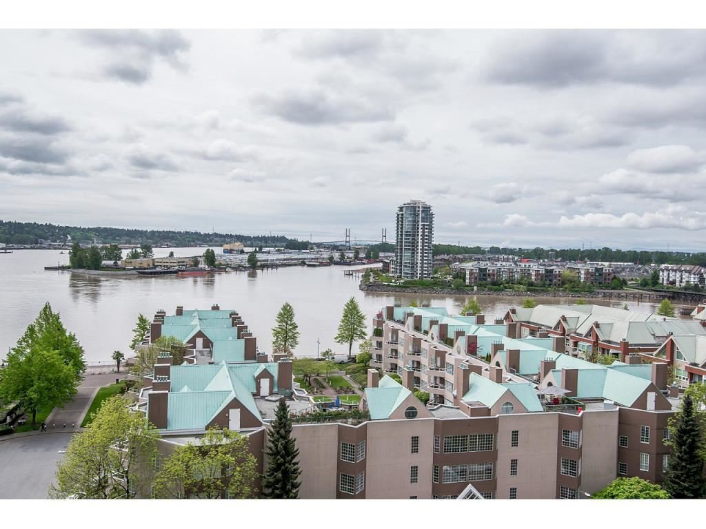 "Photo 2: Photos: 1102 1135 QUAYSIDE Drive in New Westminster: Quay Condo for sale in ""ANCHOR POINTE"" : MLS®# R2353063"