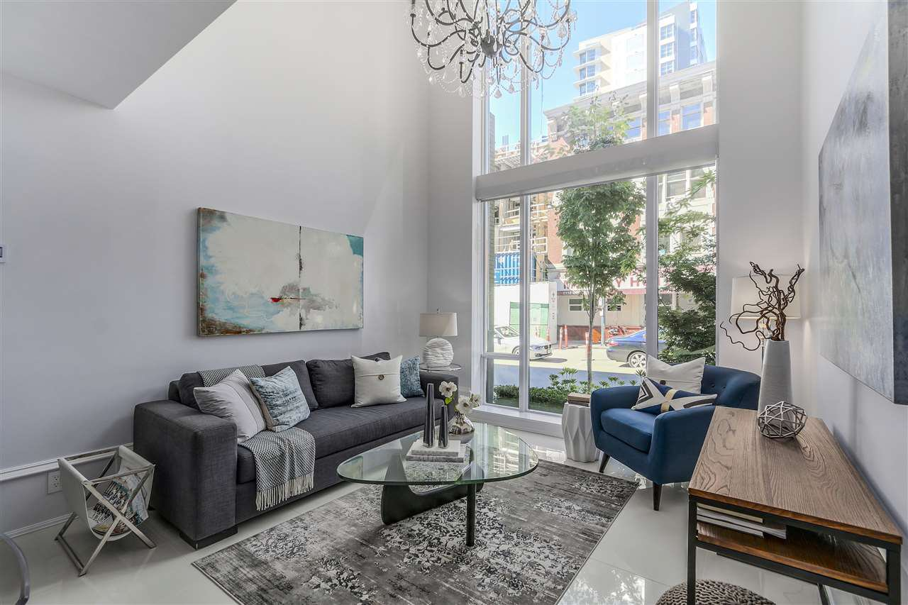 "Main Photo: 1110 HORNBY Street in Vancouver: Downtown VW Townhouse for sale in ""ARTEMISIA"" (Vancouver West)  : MLS®# R2360815"