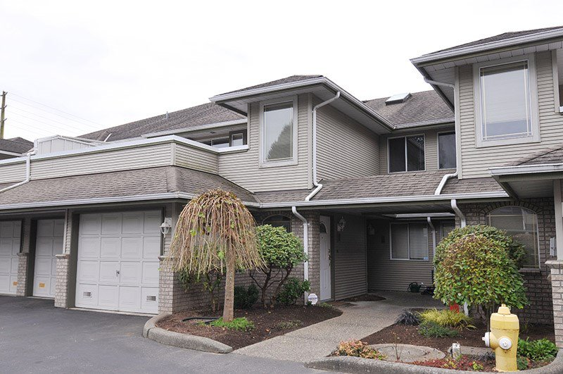 Upper floor unit 2 bedroom/2 bath, upgrades, small well maintained complex, low strata fees! Single garage, extra parking available.